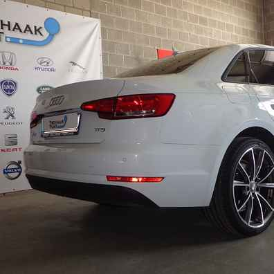 Audi a4 sedan 2016 trekhaak afneembaar