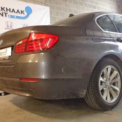Attache remorque bmw 5