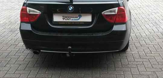 Bmw 3 touring trekhaak vast