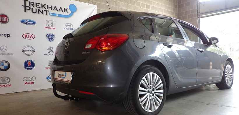 Opel astra J attelage