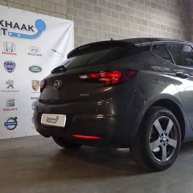 Opel astra K trekhaak afneembaar