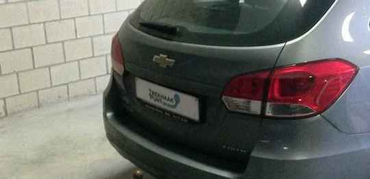 Trekhaak Chevrolet Cruze vast