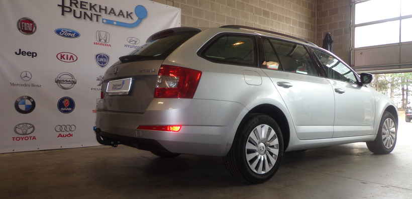 Trekhaak skoda octavia vast