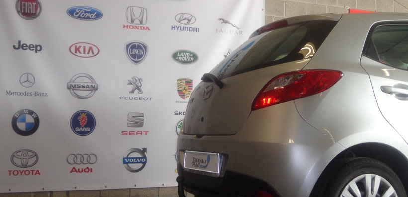 Vaste trekhaak Mazda 2